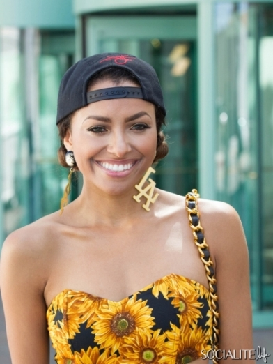 kat-graham-daisy-outfit-08082013-10-435x580