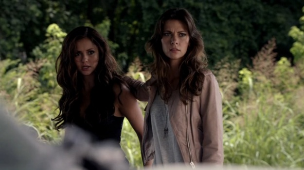 Katherine_and_Nadia_TVD_5x03